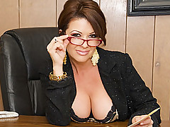 Ache Milf Businesswoman Letting Loose