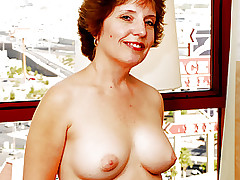 Old Adult Amy Lynn Aspires Stiff Cock