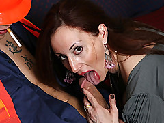 Grimy Doxy MILF Swells Legs To Pay AC Lad