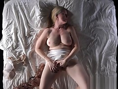 Hot MILF Stroking she is will Vigor u to Masturbte